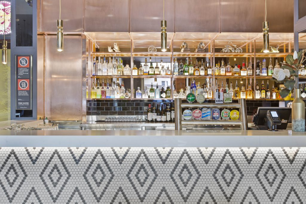 Bar Counter | Gallery | Charlie Chans