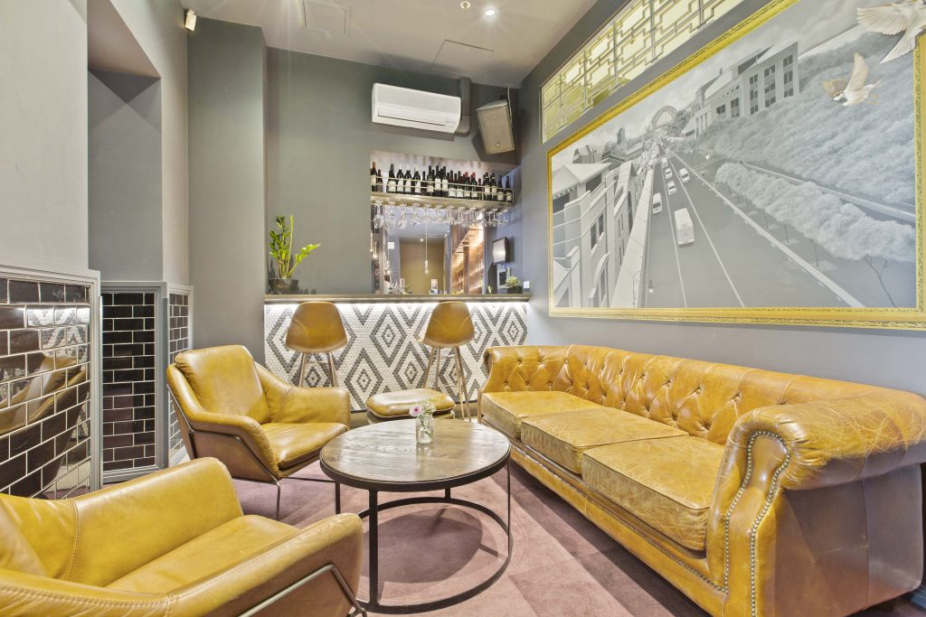 Lounge Area | Functions | Charlie Chans
